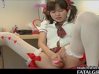 Japansk Sød Pige spiller med Fisse
