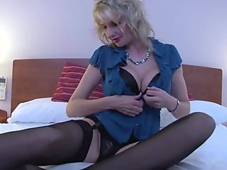 Posh mature mother with hairy old cunt