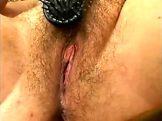 Babe Brushes Her Hairy Puss - Gentlemens Video