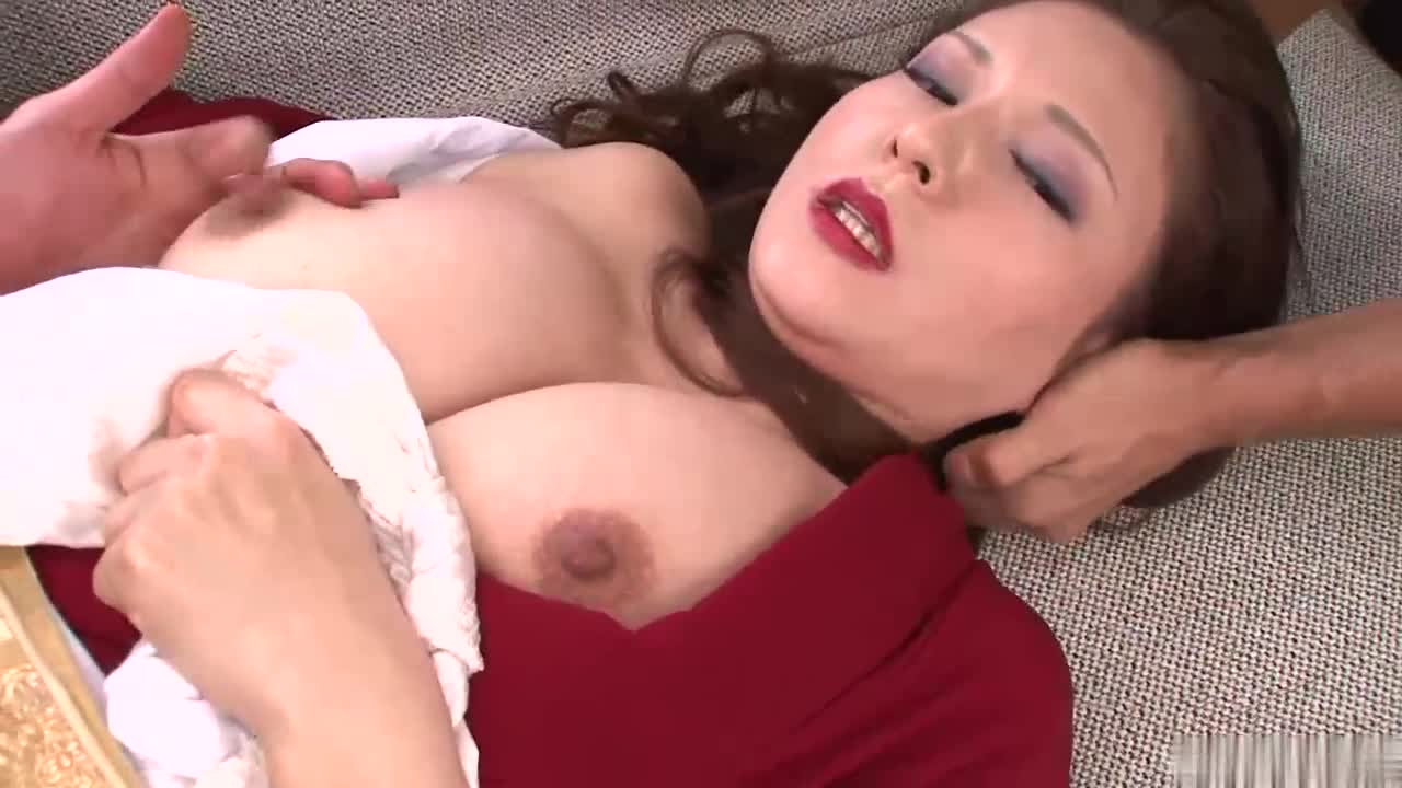 Asian Girl Fucking With Her Boyfriend While Wearing Clothes In The Bathtube And On The Couch