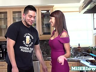 Pantera Mama Pompini Young Cazzo nella Cucina