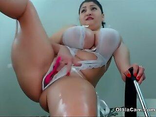Store bryster sexet latina viser hendes tyk krop på olalacam