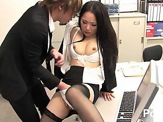 Shinnyu shain no Oshigoto Vol 13 - Scene 3