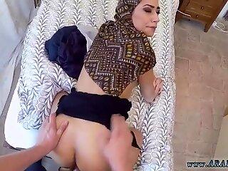 Araba Suck in Pubblico XXX No Soldi, nessun problema