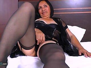 Agedlove Hottest Bedstemor Andrea Gonzo Latina