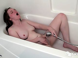 Busty Amateur Tori Masturbating Her Hairy Cunny