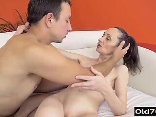 Hot nonna anale porno