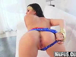 Mofos - stemme i pornoindustri - (Ariana Marie) - cosplay hotty tager det dybt
