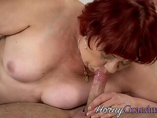 Knubbig mormor droppar säd