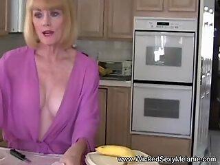 Διακοπή για την γιγιούλα στο Κουζίνα με το σεξ