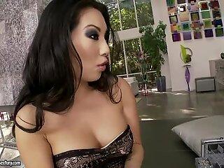 Araparato Jeweler ama succhiare Sexy Piedi di Beautiful Vieni Un Akira
