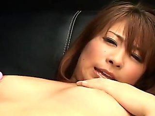 Mini Kousaka using her pink toy to get off