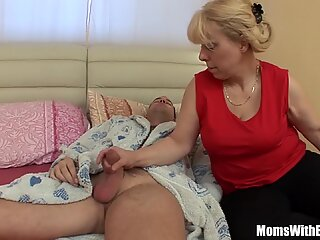 Saggy breasted blondine moden stepmom anal fucked