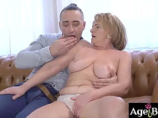 Granny Sally's vintage pussy got banged
