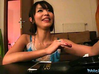 Ο αγαπημένος μου αρέσει παίδαρος με το πέος καβάλα