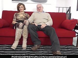Sesiones de sexo anal Scambisti Maturi & Ndash_ Retorcido con Cachonda Maduras Swingers