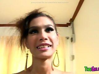 Adolescente tailandese Secca in cazzo caldo