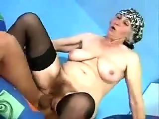 Mature Mom with hairy  cunt to fuck good!